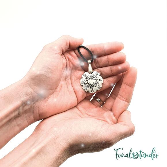 Scheepjes Yarn Slicer Nacklace - fonalvágó nyaklánc - antique nickel - antik nikkel